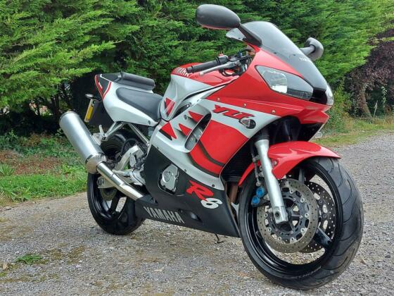 1999 YAMAHA R6 STUNNING 1st EDITION 600 SUPERSPORT. 10K MILES DELIVERY AVAILABLE