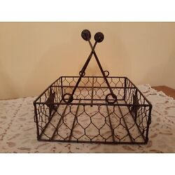 Farmhouse Chicken Wire Caddy Square with Handles & 4 Sections