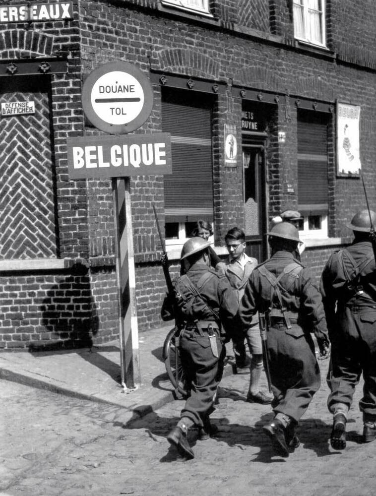 ww2 photo german invasion of belgium 1940 wwii ebay. Black Bedroom Furniture Sets. Home Design Ideas