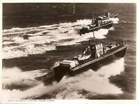 TOWING MOTOR BOATS SOUTHAMPTON Press Type Photo c.1938.