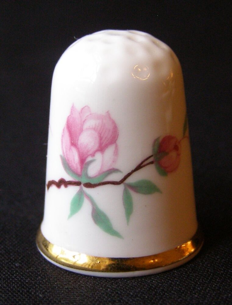 lovely vintage oakley fine bone china thimble england ebay. Black Bedroom Furniture Sets. Home Design Ideas