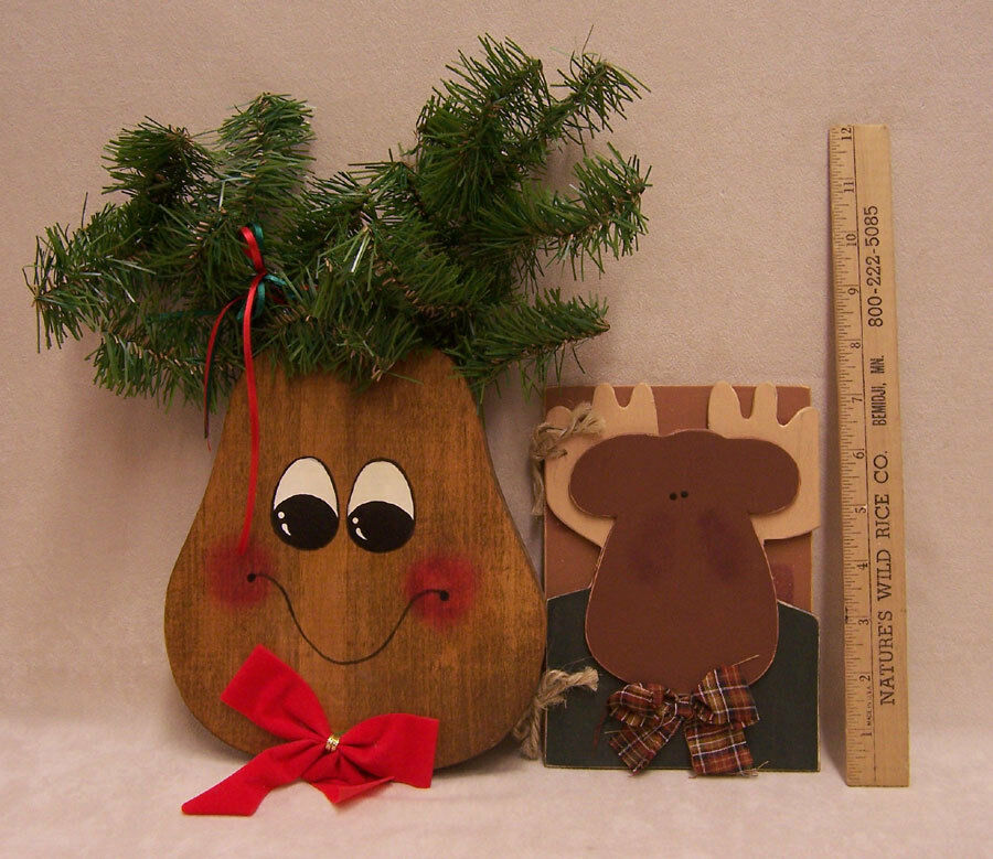 Lot of 2 reindeer moose wooden christmas decor holiday for Wooden christmas decorations
