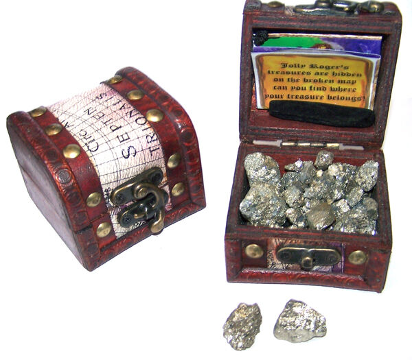 Toys And Treasures : Pirates treasure chest full of gold new pirate box item