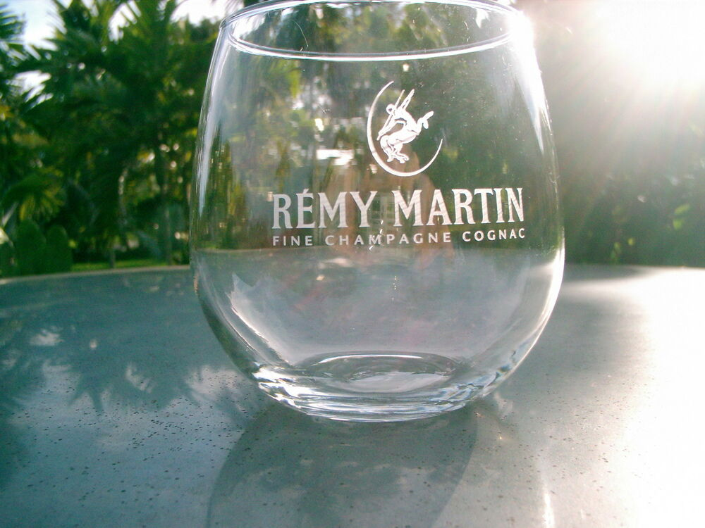 Remy martin fine champagne cognac rounded glass frosted