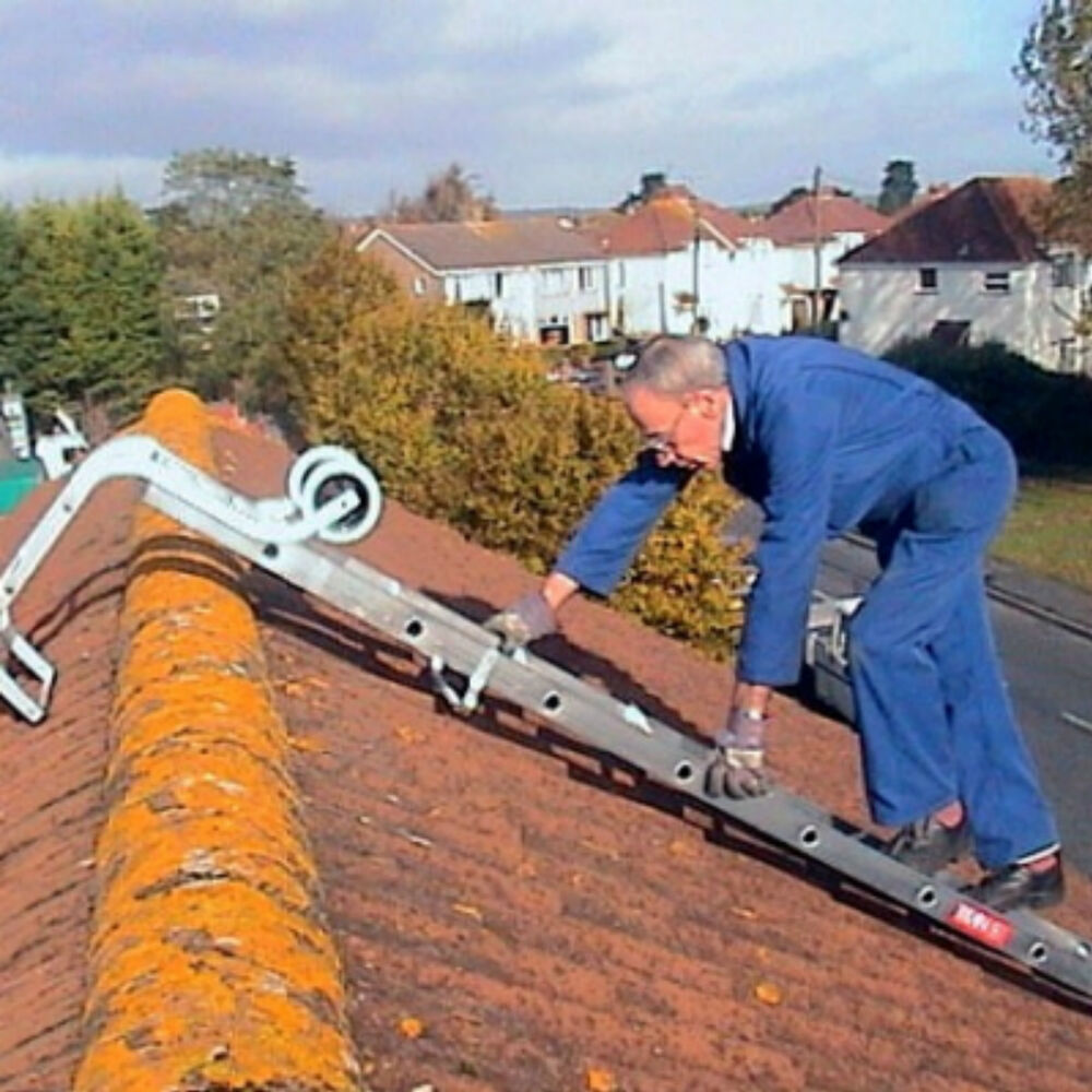Extending Roof Ladder C W Hook Amp Wheels Choice Of 2 Sizes