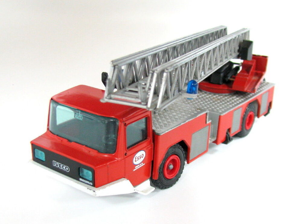 Toy Construction Trucks : Old schuco esso toy construction truck ladder iveco