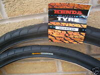 2 Kenda Puncture Resist / Protect cycle bike tyres 26 X 1.5 Slick inc free tubes