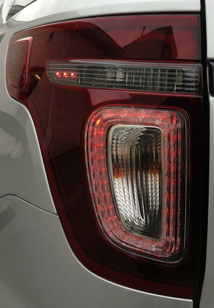 oem new 2013 ford explorer sport tail light left smoked driver 39 s lh. Black Bedroom Furniture Sets. Home Design Ideas