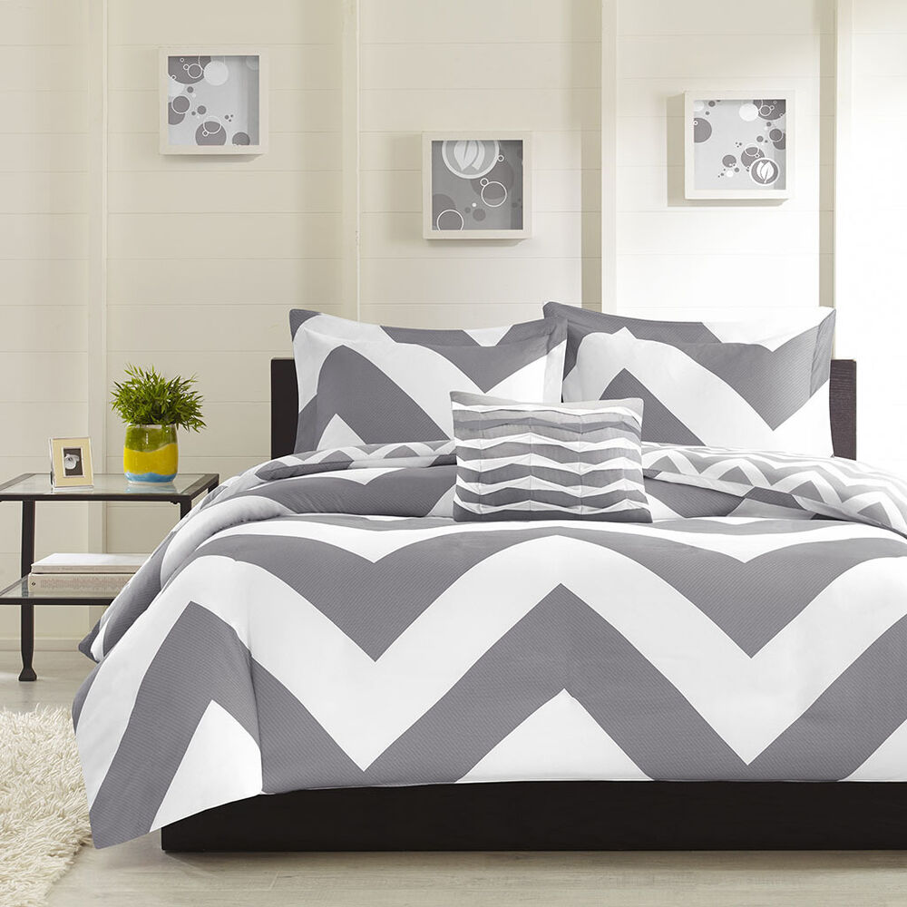 modern reversible grey chevron stripe comforter set pillow full queen size ebay. Black Bedroom Furniture Sets. Home Design Ideas