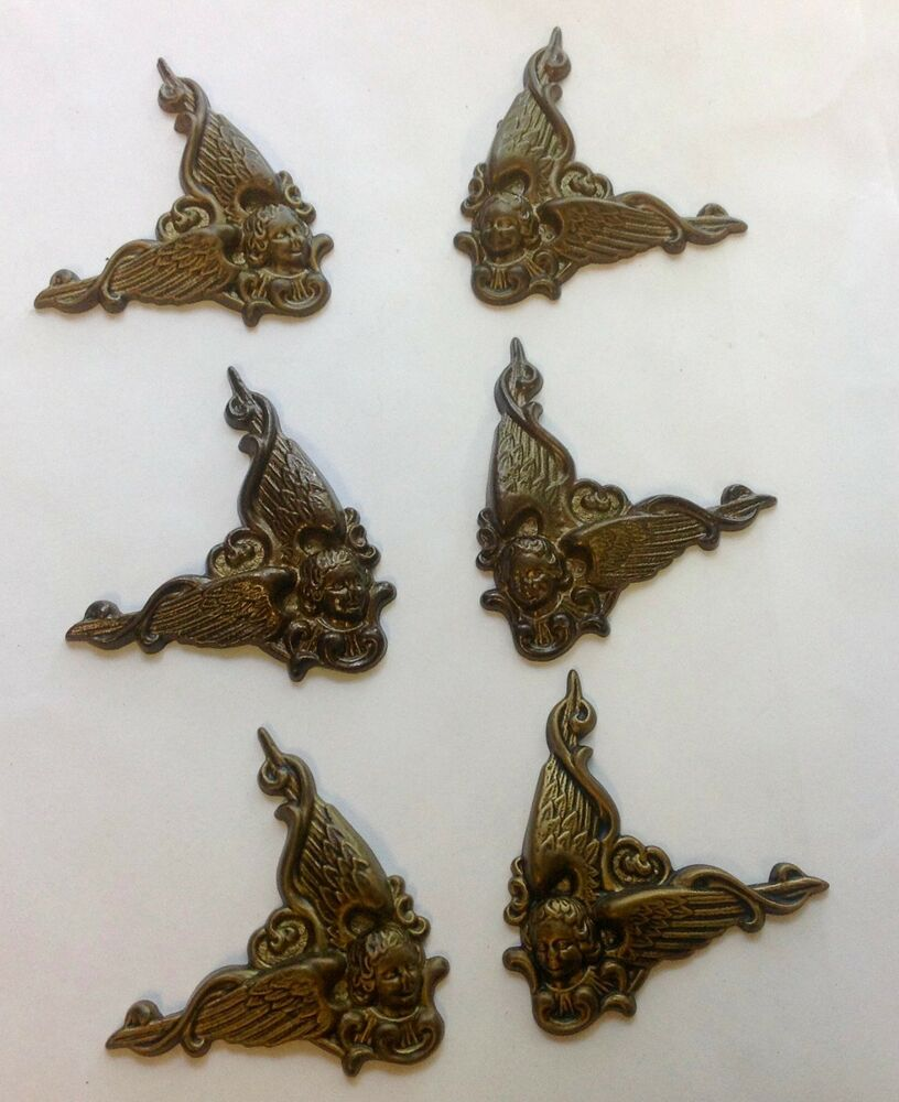 Sets new decorative angel metal corners for clock cases