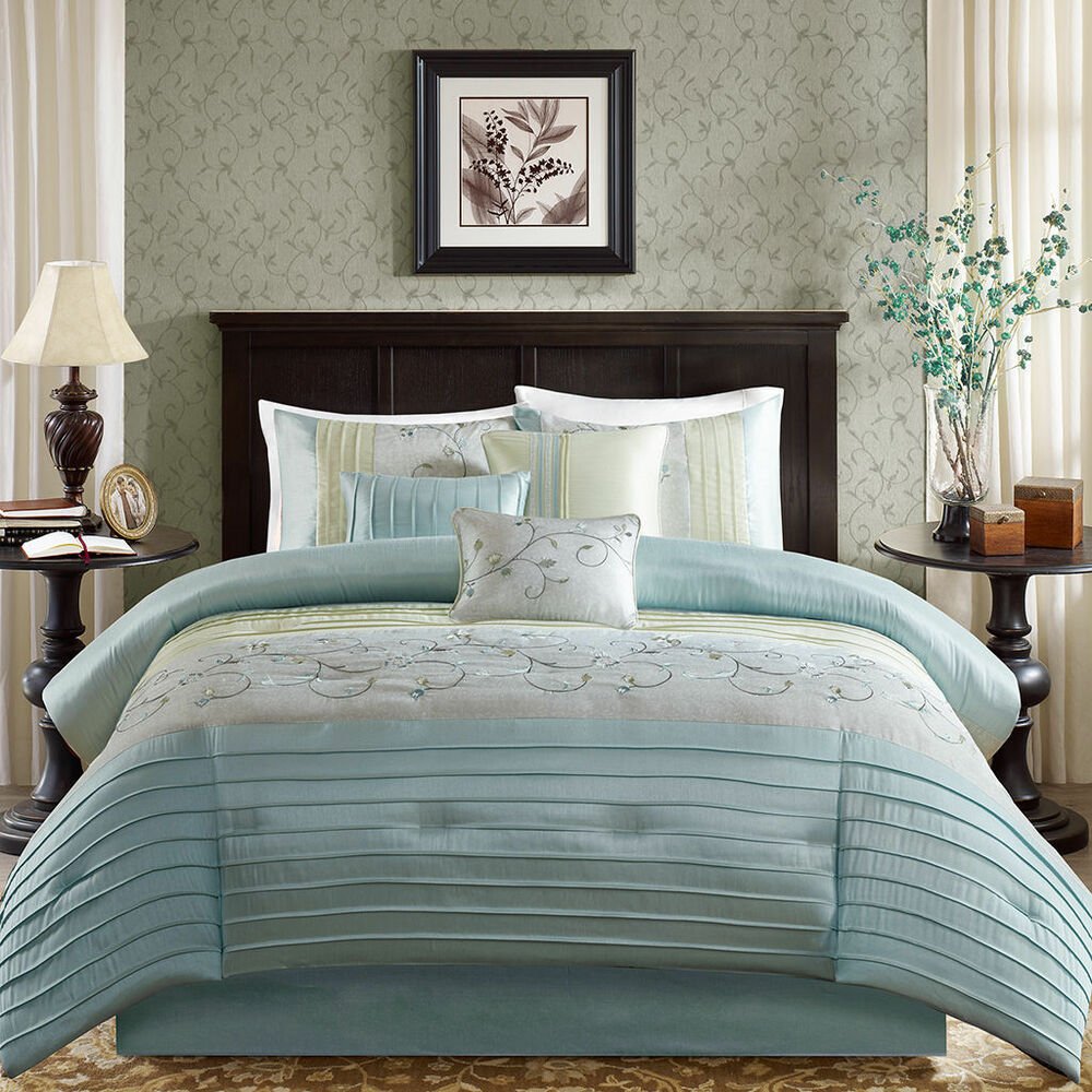 Beautiful 7 Pc Modern Blue Grey Silver Stripe Comforter
