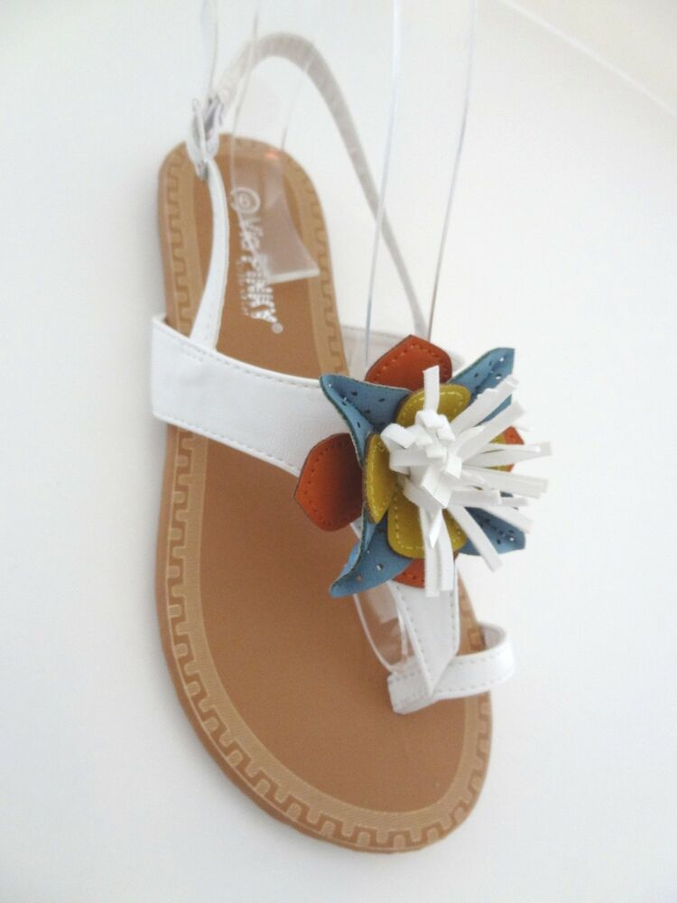 New Womens White Flat Flower Toe Ring T Strap Sandals