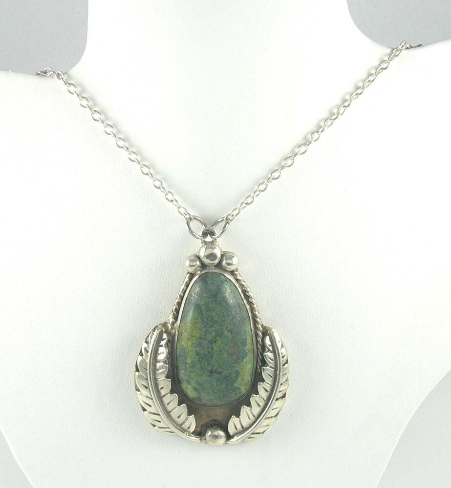 Southwestern sterling silver necklace with pendant and for Southwestern silver turquoise jewelry