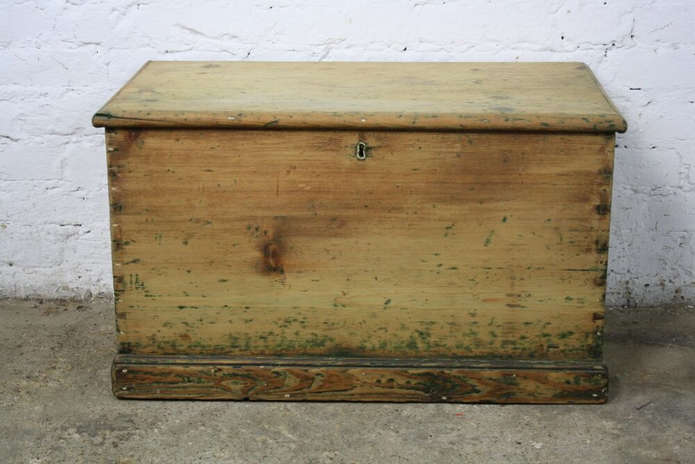 VINTAGE ANTIQUE PINE OLD WOODEN CHEST TRUNK BLANKET TOY ...