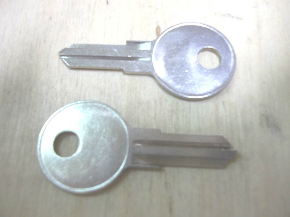 Snug Top Eberhard Tonneau Truck Cover Keys Made To Your