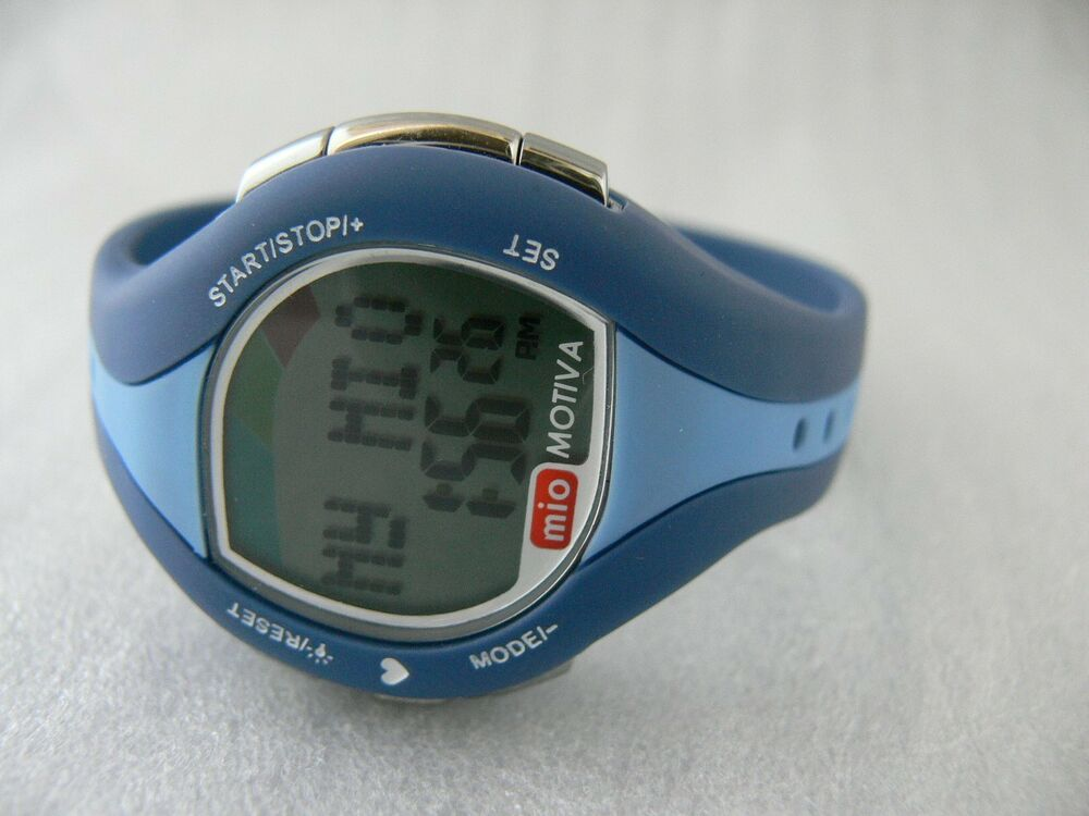 calorie management Disclosed is a calorie management apparatus for calculating and managing a calorie intake, comprising: an input unit a storage unit a display unit and a control unit.