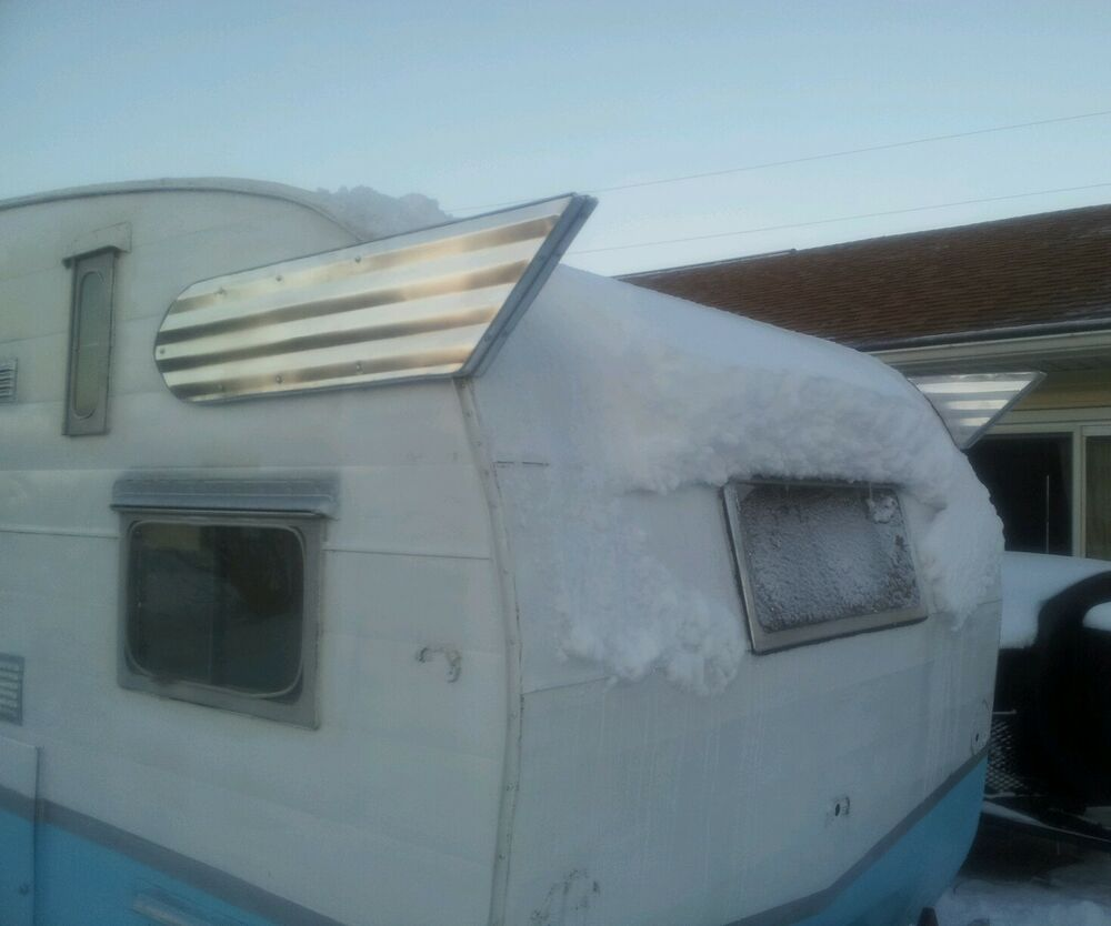 NEW VINTAGE SHASTA DELUXE WINGS CAMPER TRAILER