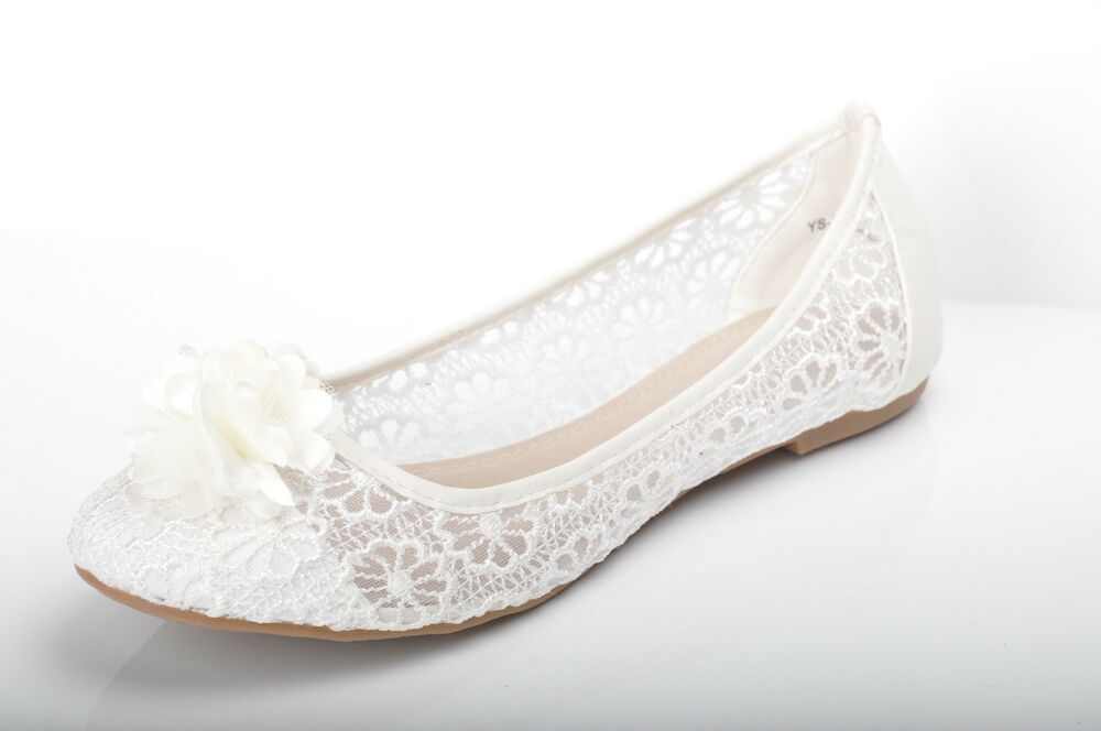 Complete your bridal look with the perfect wedding shoes at David's Bridal. Our bridal shoes include wedding & bridesmaid shoes in various styles & colors. White by Vera Wang. Pointed-Toe Cross-Strap Heels with Crystal Back. VWFS Added to your favorites! Round-Toe Mesh Pumps with Corded Lace Appliques. ADLEY. Added to your favorites!