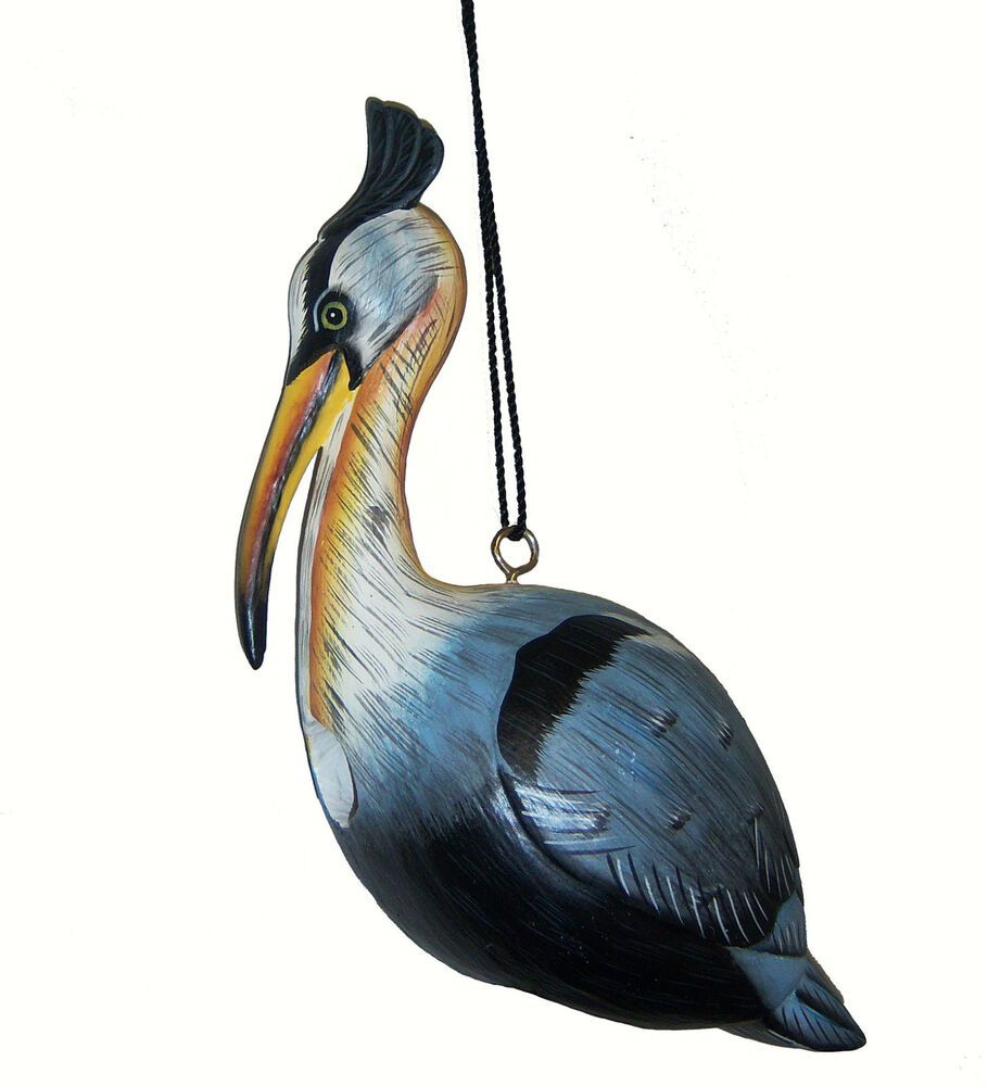 Bird houses great blue heron bird house birdhouse for Bird home decor