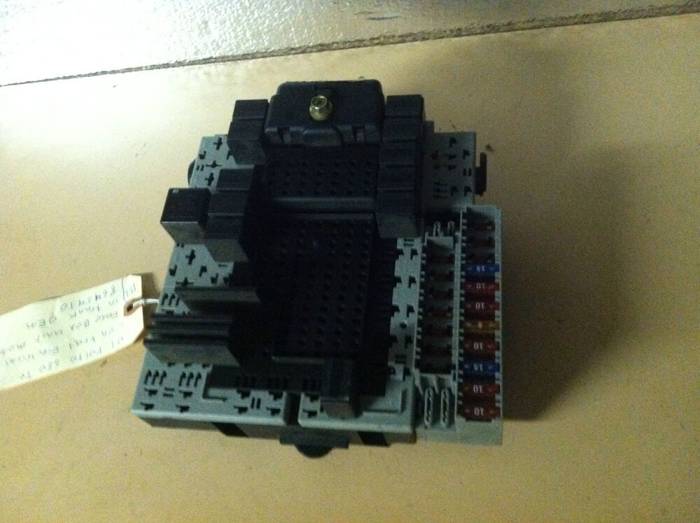 01 Volvo S80 T6 Central Electrical Fuse Box Unit Module In