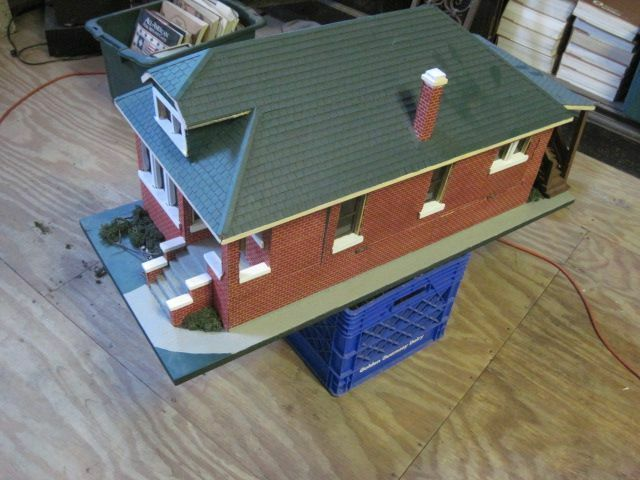 Vintage chicago bungalow style dollhouse with furniture ebay for Chicago style bungalow floor plans