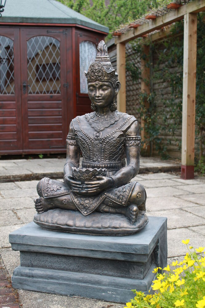 large bronzed thai buddha garden ornament statue and. Black Bedroom Furniture Sets. Home Design Ideas
