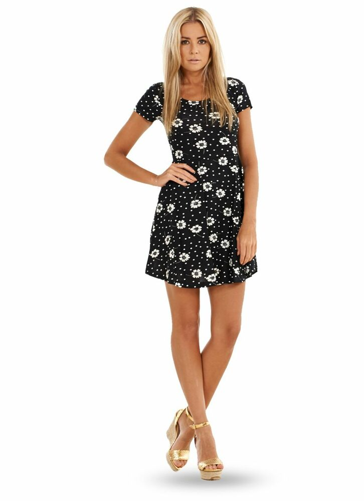 Brilliant Boohoo Womens Evie Strappy Cross Front Skater Dress | EBay