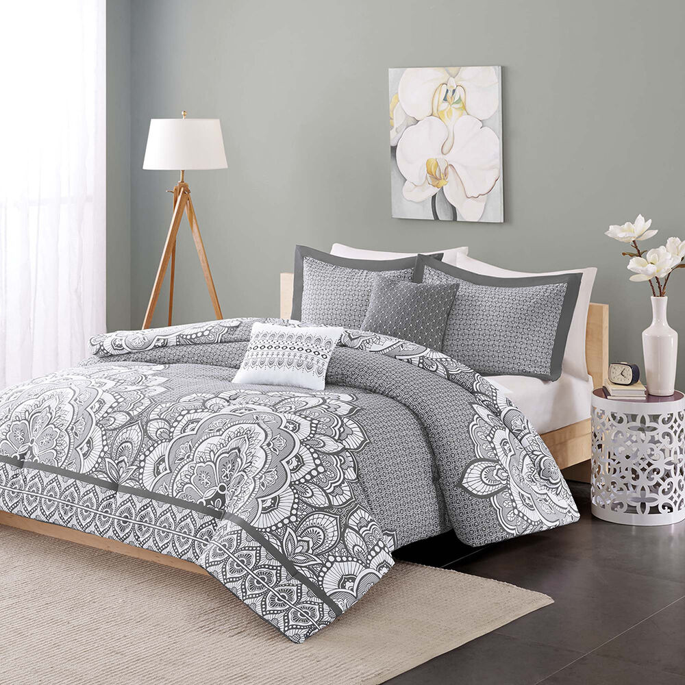 Gray White Quilt : Beautiful modern chic grey white charcoal medallion