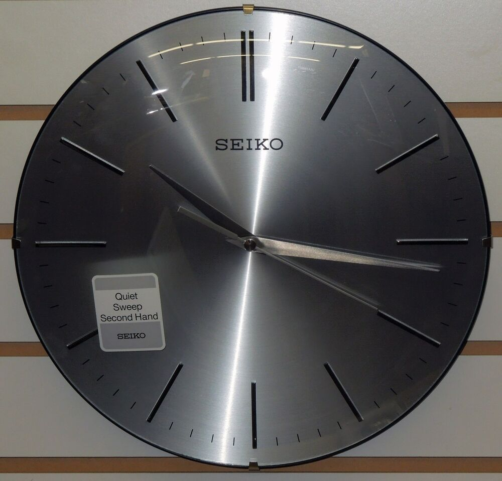 seiko 12 silver finished dial w black trim wall clock quiet sweep