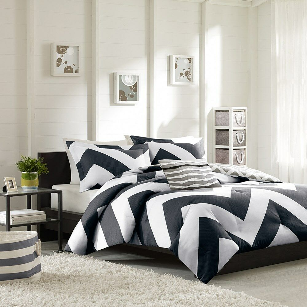 beautiful modern black white grey stripe sport chevron duvet cover set new ebay. Black Bedroom Furniture Sets. Home Design Ideas