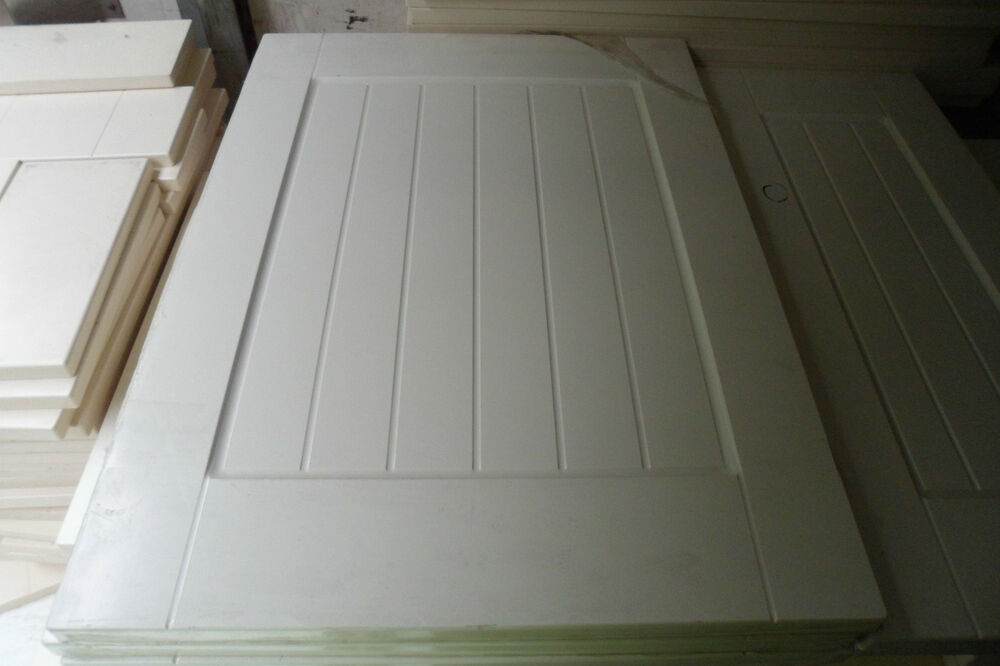 Shaker matt ivory cream country kitchen cupboard doors for Replacement kitchen unit doors