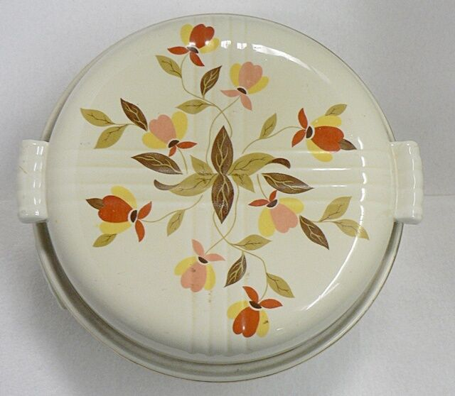 hall pottery autumn leaf pattern covered casserole dish