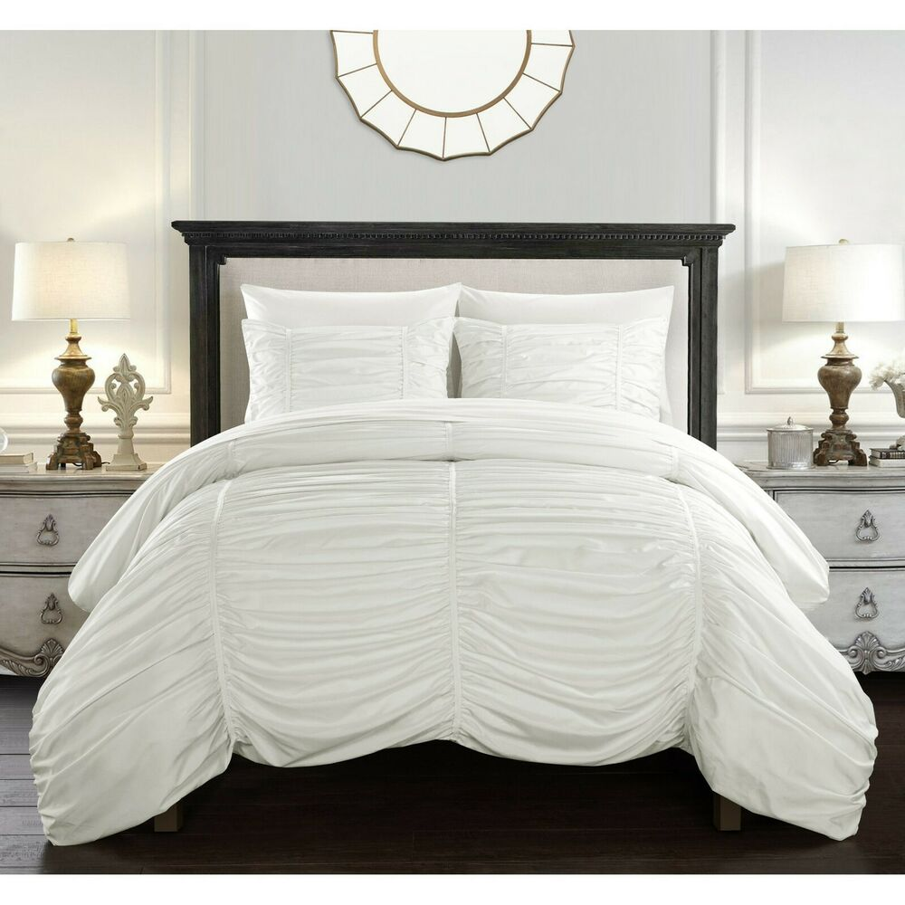 Beautiful Modern Chic White Textured Pleated Ruched Luxury