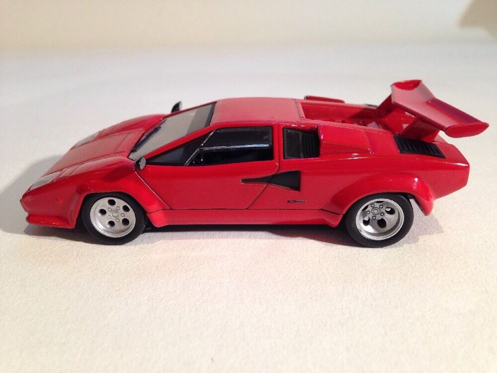 lamborghini countach red 1 altaya ixo 1 43 scale new ebay. Black Bedroom Furniture Sets. Home Design Ideas