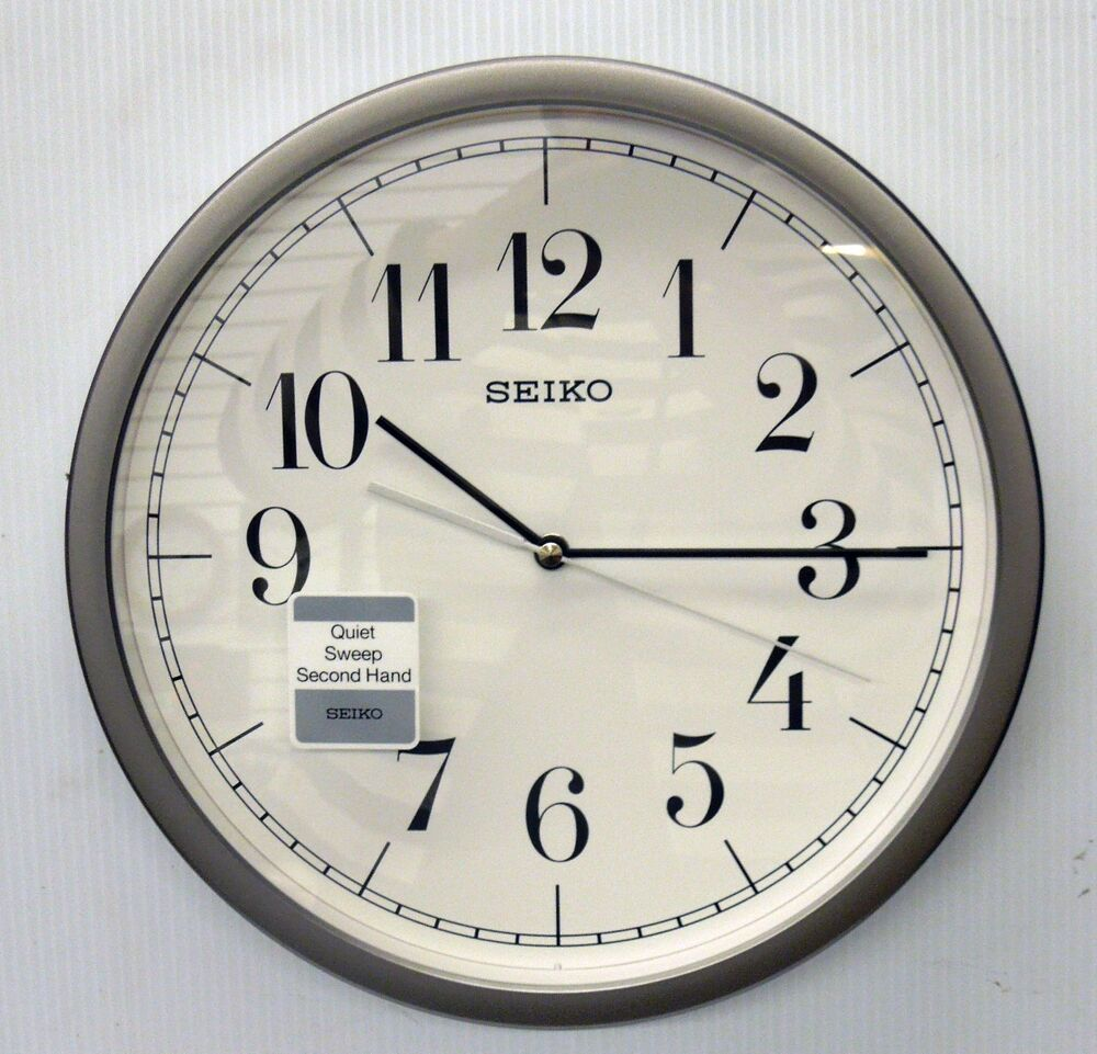 seiko hestor round wall clock with quiet sweep qxa636