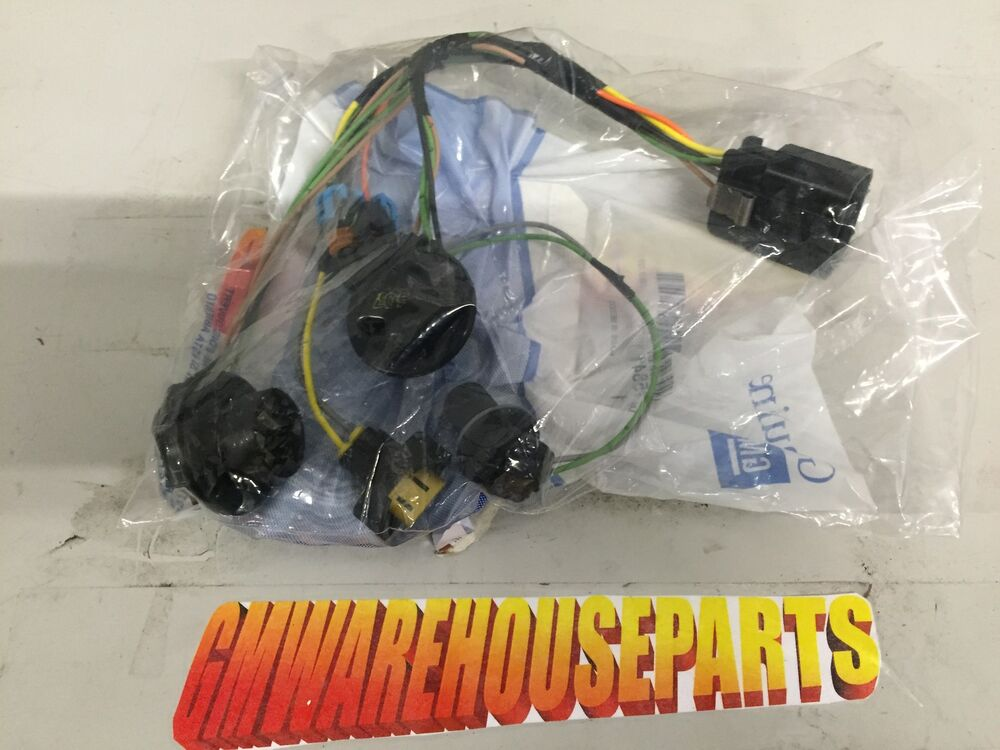 s l1000 2007 2013 gmc sierra headlight wiring harness new gm 15841610 ebay GM Headlight Wiring Harness at bayanpartner.co
