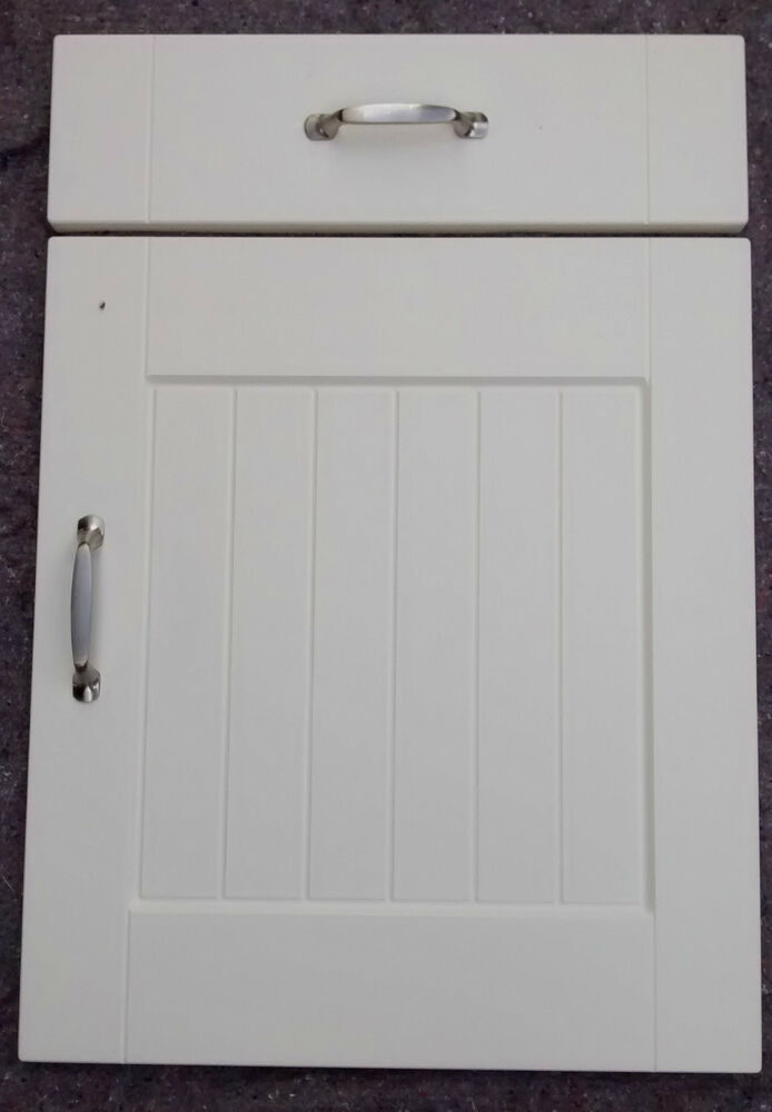Shaker matt ivory country cream kitchen cupboard t g for Replacement kitchen unit doors