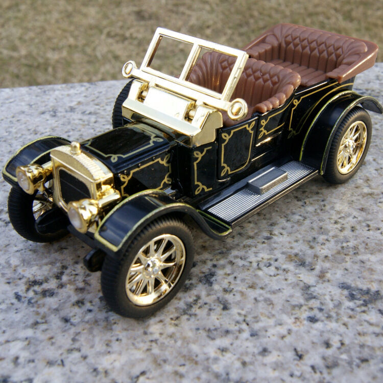The 5 Inch Vintage Car Models Classic Cabrio Sound & Light