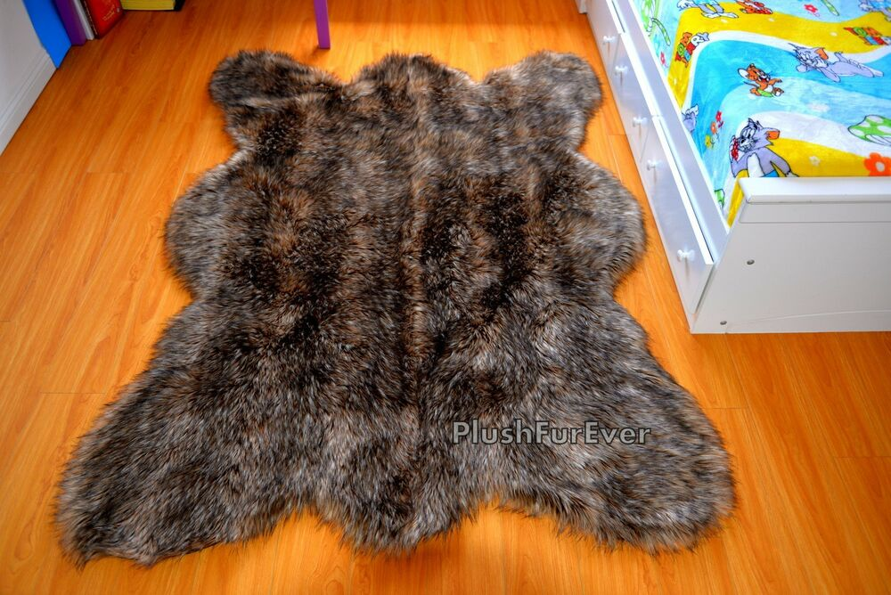 Large Brown Coyote Wolf Bear Fox Fur Faux Fur Lodge Cabin