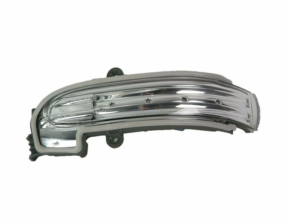 Mercedes benz w203 c class oem left door mirror turn for Mercedes benz door lights