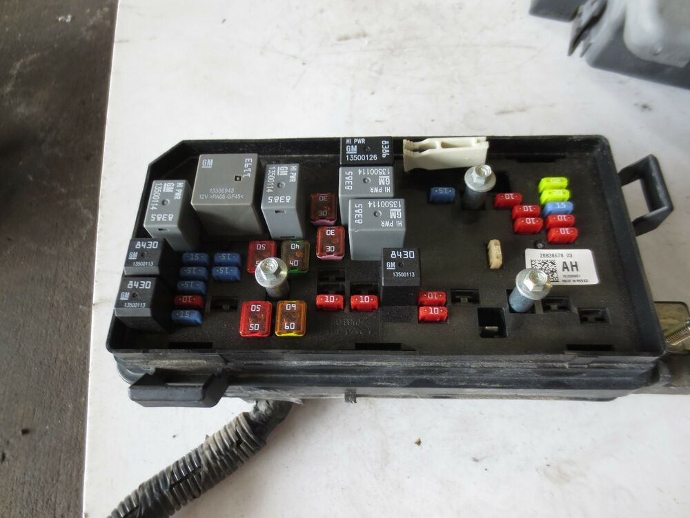 2004 Honda Pilot Fuse Box Location additionally 2008 Honda Civic Fuse Box additionally Uses And Relay Audi A4 B8 further Ford E450 Fuse Box With 1984 Ford F150 Fuse Box Diagram together with 4gbd0 C230 Kompressor Dead Battery The Valet Key Trying Get Trunk. on under hood fuse box
