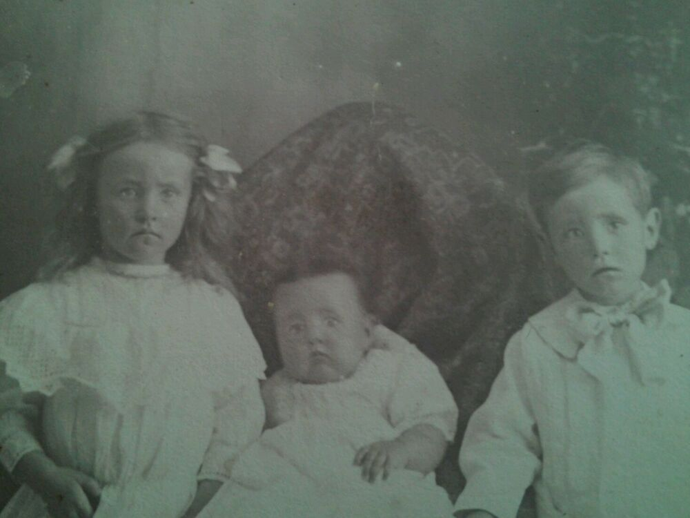 VICTORIAN REAL POST MORTEM PHOTO OF BABY PAINTED EYES