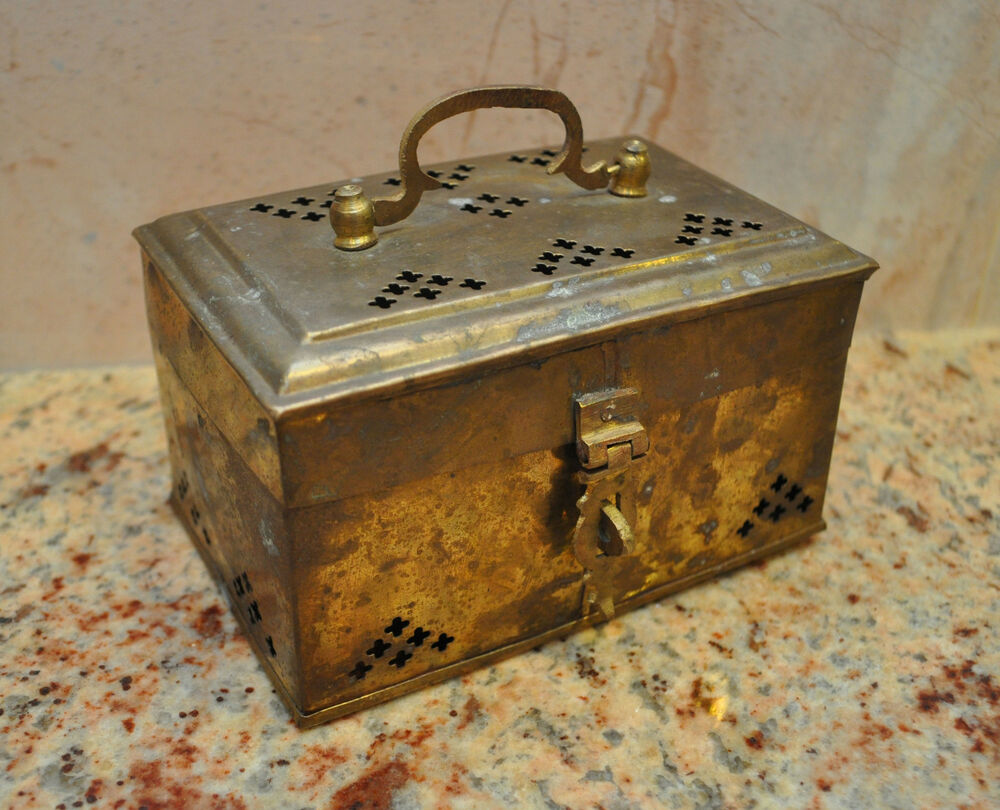 Opinion Vintage antique metal jewelry boxes all clear