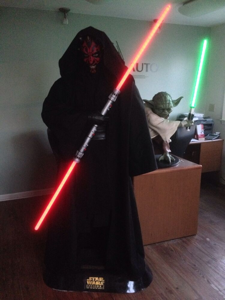 Darth Vectivus Lightsaber: Star Wars Life Size Darth Maul With Lightsaber And Sith