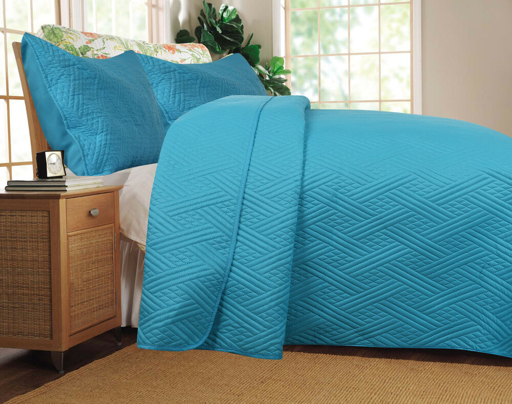 DaDa Bedding Lightweight Cozy Solid Blue Turquoise Quilt Coverlet Bedspread Set