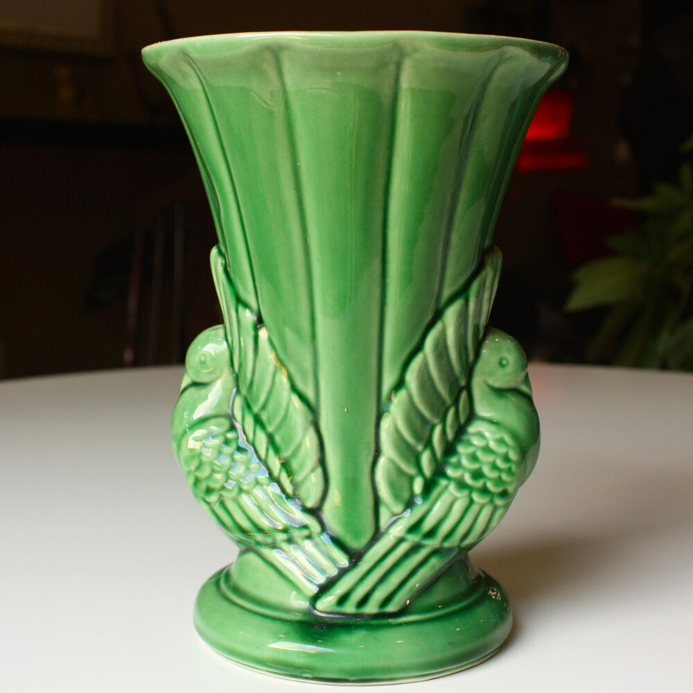 Vintage 1940s shawnee pottery art deco style green double for Style retro deco
