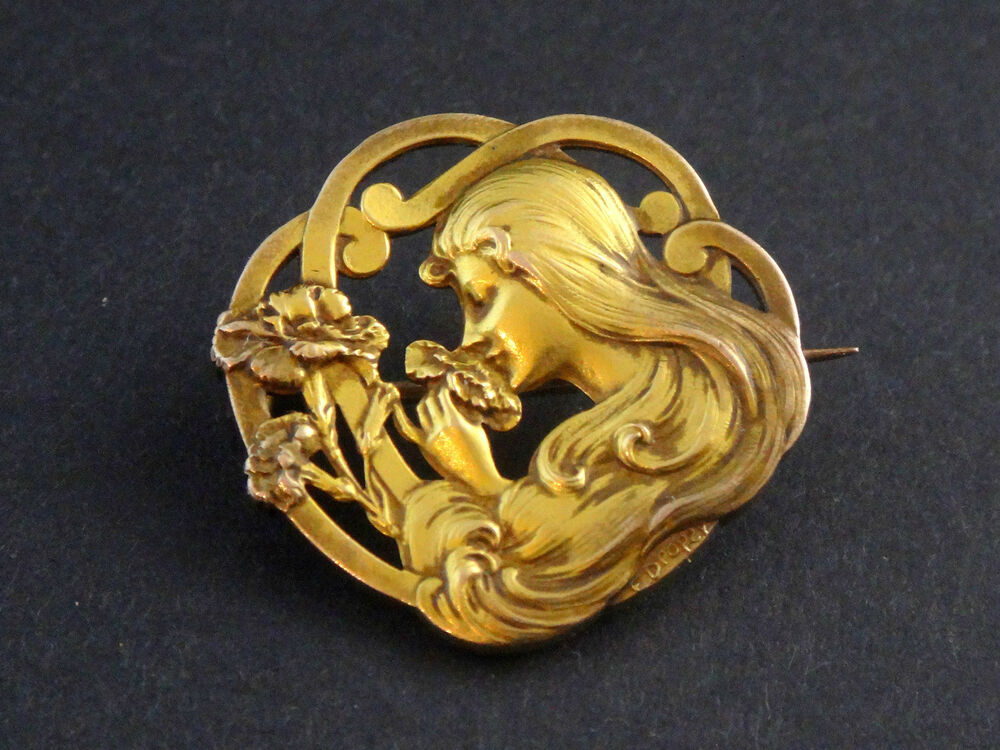 Superb Antique French Gold Plated Art Nouveau Brooch Lady