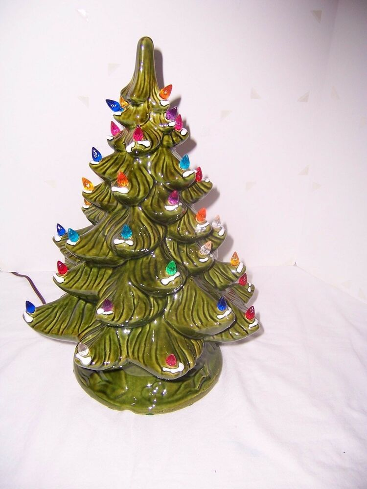 Christmas Tree Green Wsnow Ceramic 16 Light Up W 42 Multi