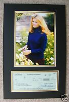 ELIZABETH MONTGOMERY SIGNED BEWITCHED AUTOGRAPH DISPLAY - UACC & AFTAL RD
