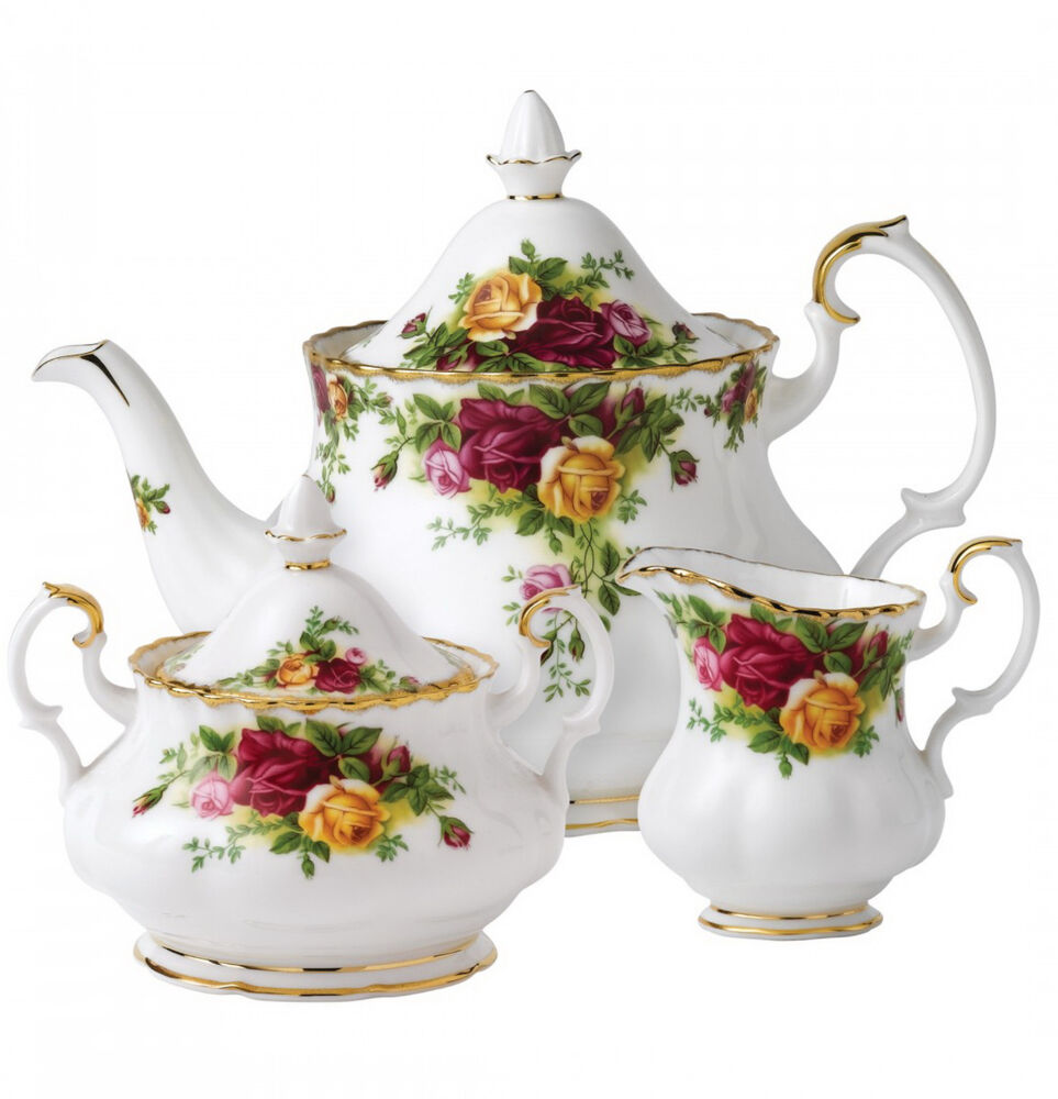 royal albert old country roses 3 piece teapot cup creamer tea set england new ebay. Black Bedroom Furniture Sets. Home Design Ideas